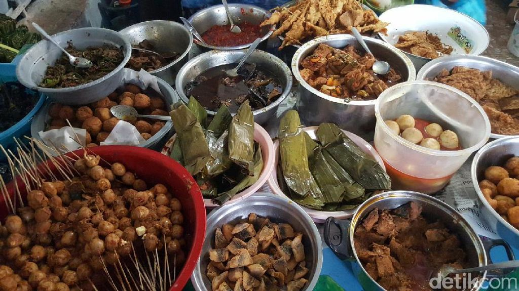 Satu Lagi Kuliner dari Cirebon: Nasi Jamblang Pelabuhan