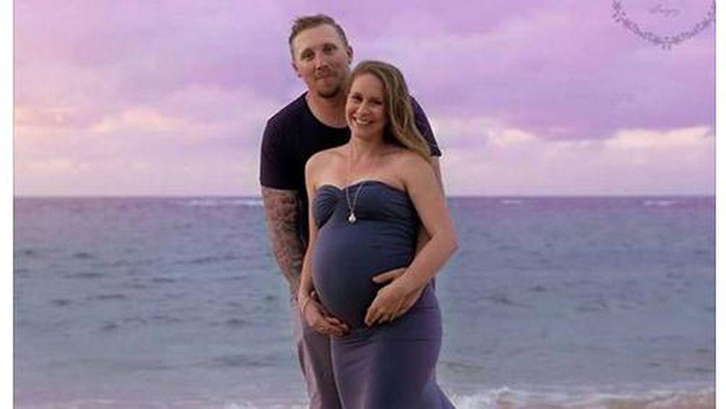 Cerita Calon Ibu yang Tetap Jadi Bridesmaid Meski Sudah Alami Kontraksi