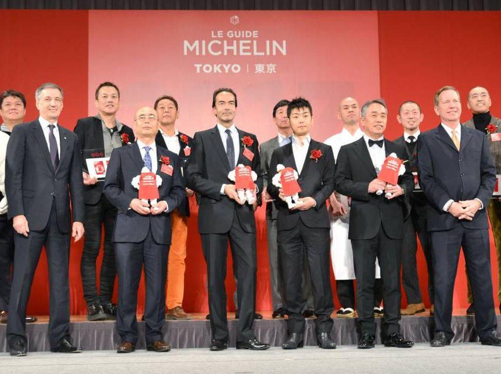 Restoran Kembalikan Bintang Michelin dan Pengantar Makanan Hajar Konsumennya