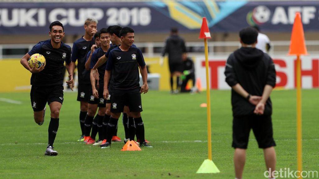 Jelang Final, Thailand Jajal Stadion Pakansari