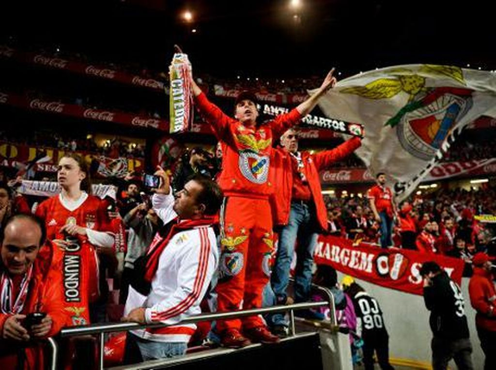 Sebelum Kick-off, Ada Meja Check-in Bandara di Lapangan Stadion Benfica