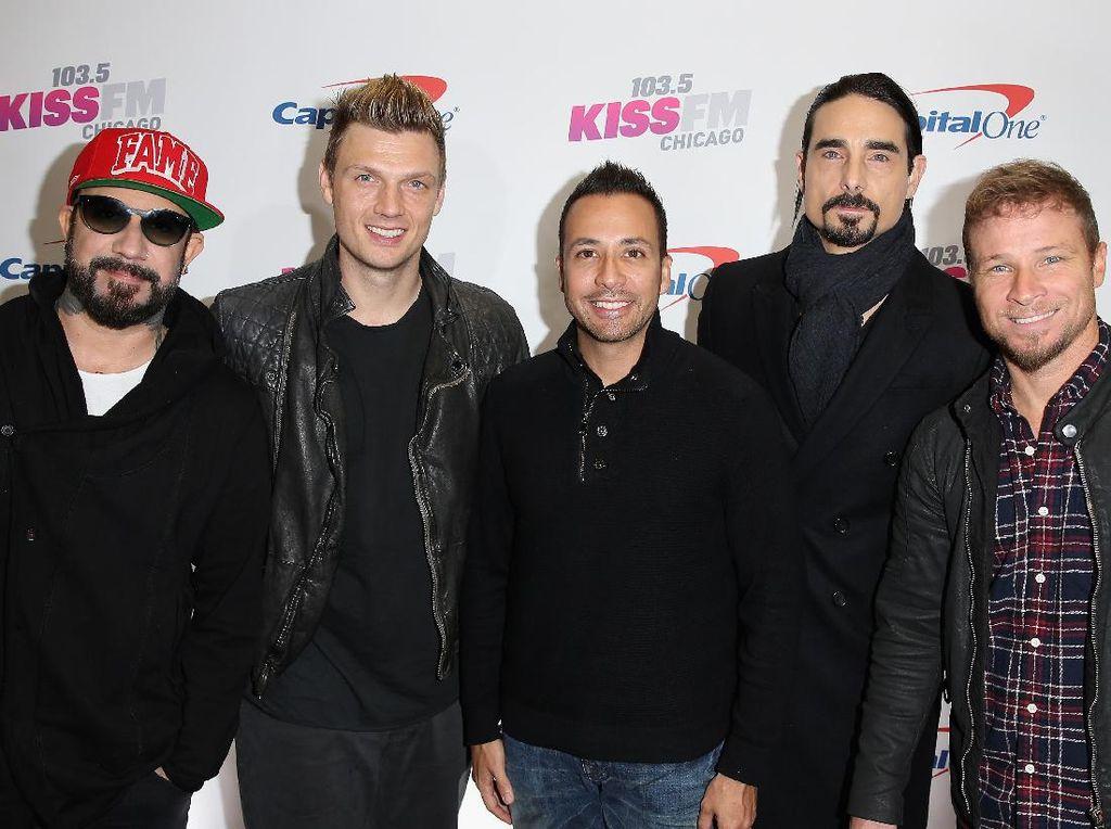 Tempat Manggung Diserang Badai, Backstreet Boys Batal Konser