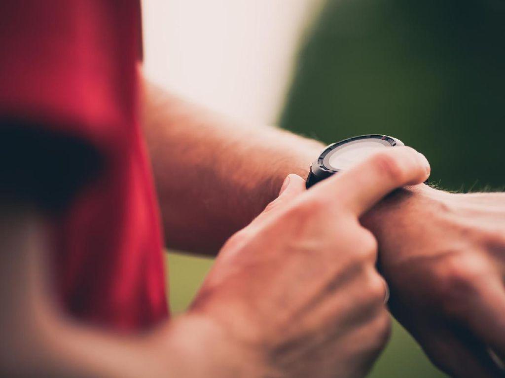 Viral Larangan Anak Pakai Smartwatch di Sekolah