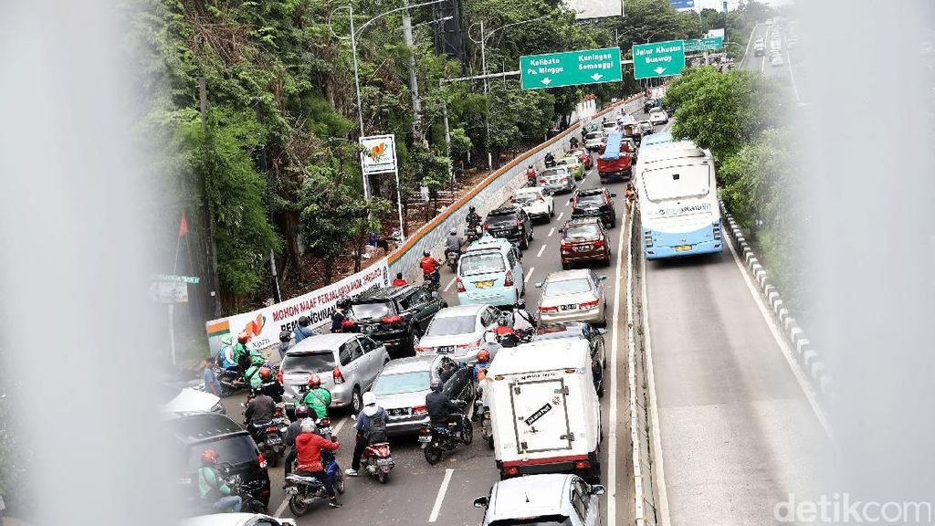 Polisi Siapkan Contra Flow Antisipasi Macet Proyek di Pancoran