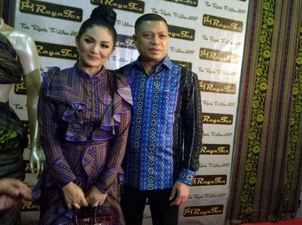 Terinspirasi Batik, Krisdayanti Ingin Kain Khas Timor Leste Mendunia