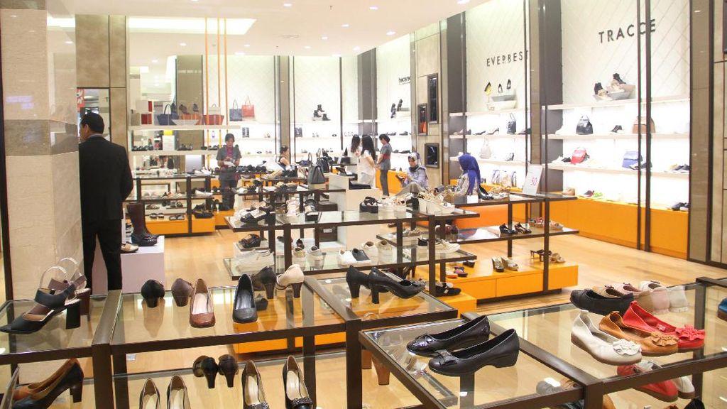 Lotte Shopping Avenue Diskon Hingga 70%, Busana Uniqlo Mulai dari Rp 99 Ribu