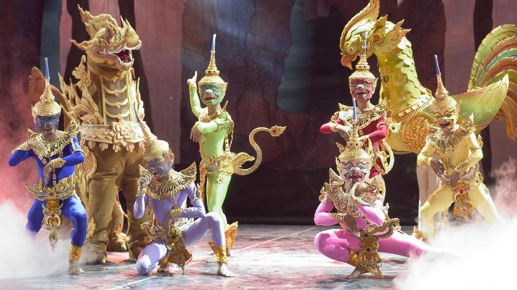 Ini Dia Pertunjukan Teatrikal Budaya Paling Keren di Bangkok