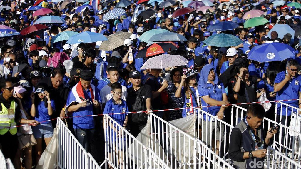 Ribuan Suporter Mulai Padati Stadion Rajamangala Bangkok