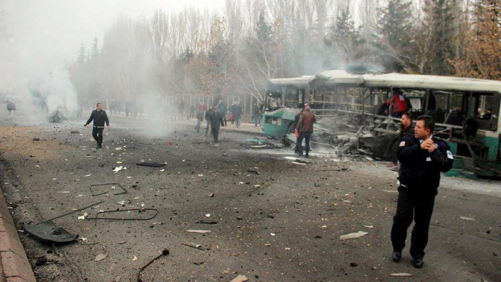 Ledakan Bom Mobil di Turki Tewaskan 13 Tentara, Lukai 48 Orang Lainnya