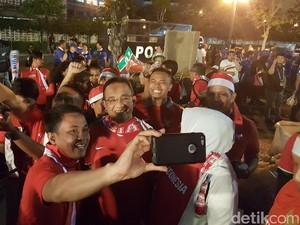 Ketika Anies Baswedan Menjadi Suporter Merah Putih di Thailand