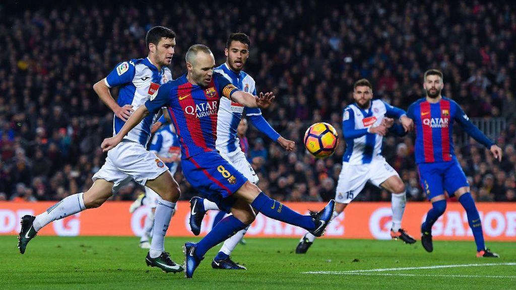 Kemenangan Derby, Iniesta: Penutup Tahun yang Manis Buat Barcelona di Liga