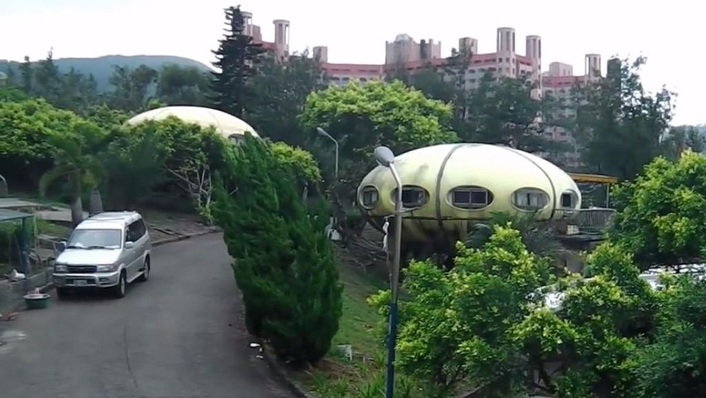 Penampakan Resor Berbentuk UFO di Taiwan yang Ditinggalkan Sebelum Dibuka