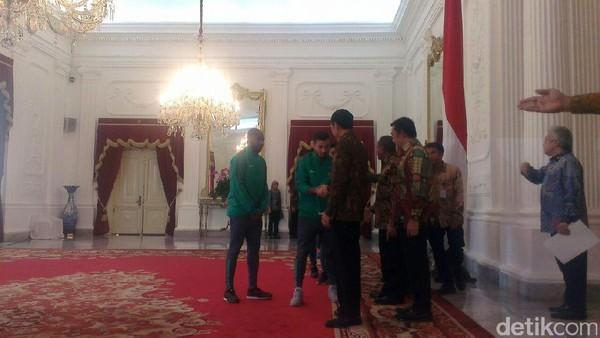 Jokowi Yakin Rakyat Indonesia Bangga dengan Skuat Garuda