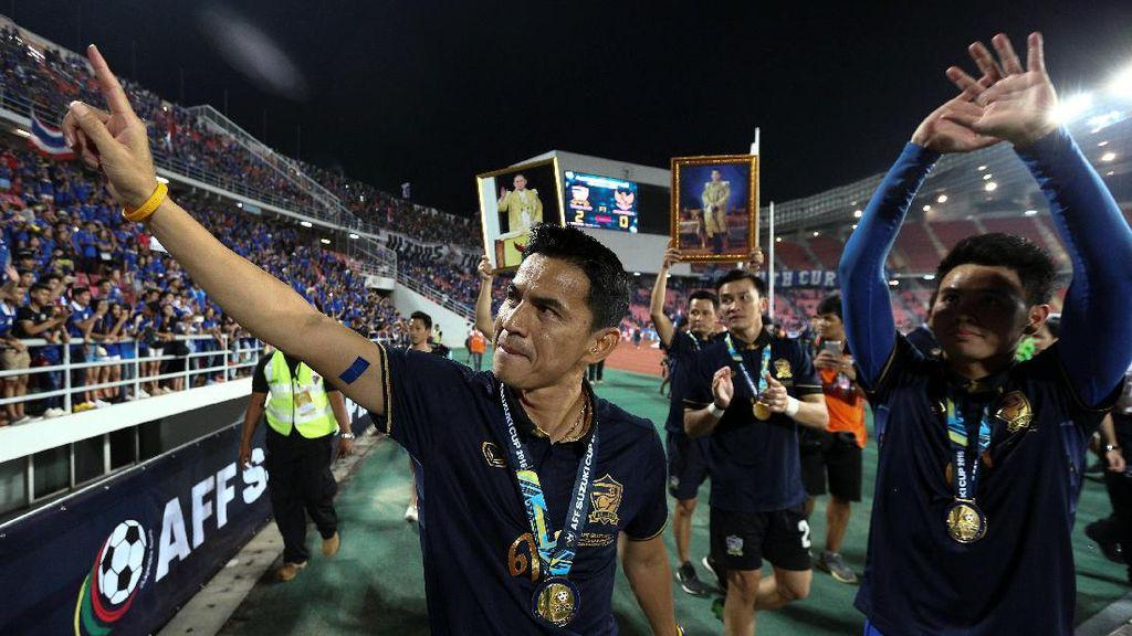 Deretan Pelatih yang Diisukan Merapat ke Persib Bandung
