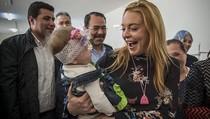 Pindah ke Dubai, Lindsay Lohan Ganti Profil Instagram dengan Alaikum Salam