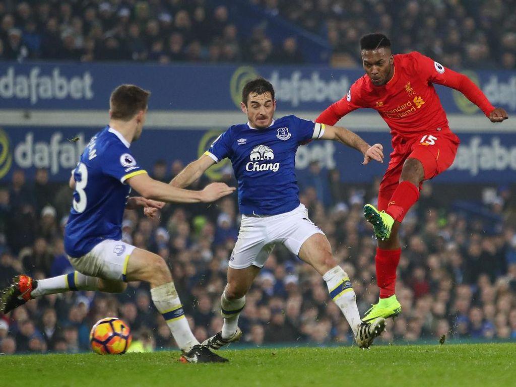 Jawab Spekulasi Sturridge, Klopp: Dia Masih Penting untuk Liverpool