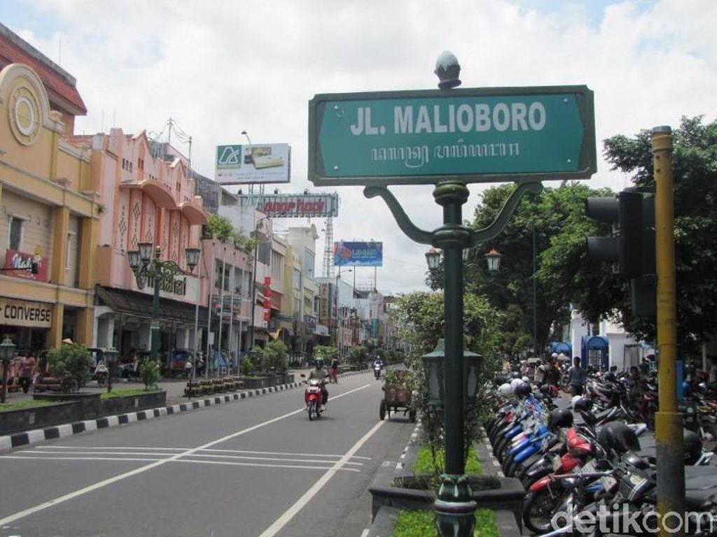 Dikeluhkan, Guiding Block di Jalan Malioboro Banyak yang Hilang