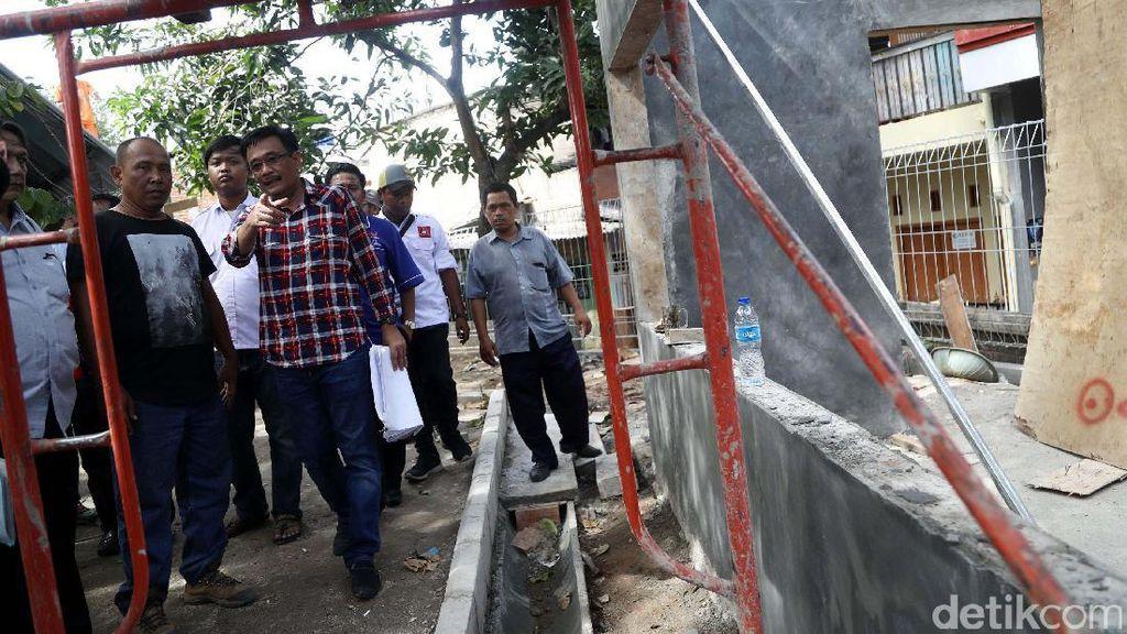 Djarot Tinjau Pembangunan RPTRA di Tebet