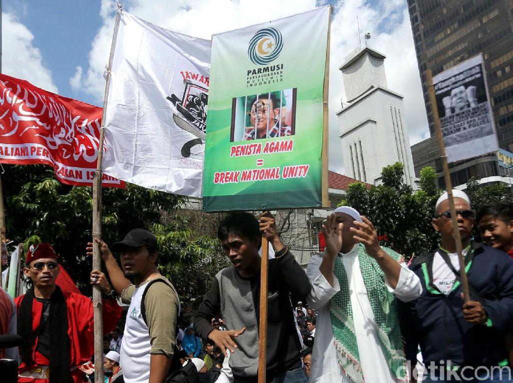 Massa Anti Ahok Ramaikan PN Jakarta Utara