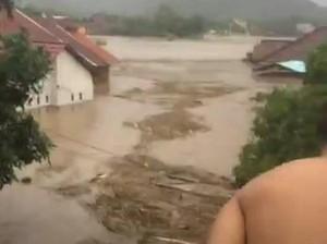 Ini Analisa KLHK Soal Banjir di 5 Wilayah