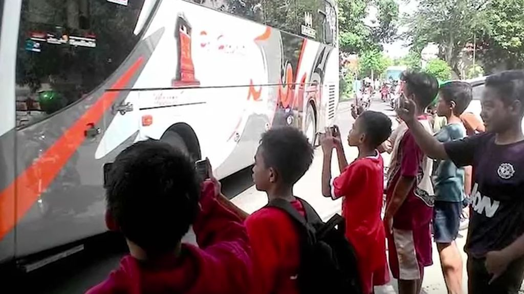 Polisi akan Razia dan Tilang Bus Telolet, Pro atau Kontra?