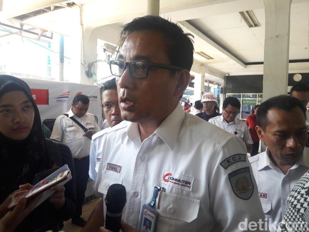 PT KCJ Tambah 21 Perjalanan KRL di Malam Tahun Baru