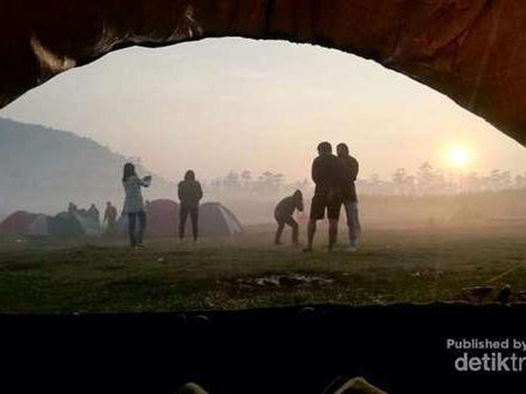 Foto: Kemping Kekinian di Bandung