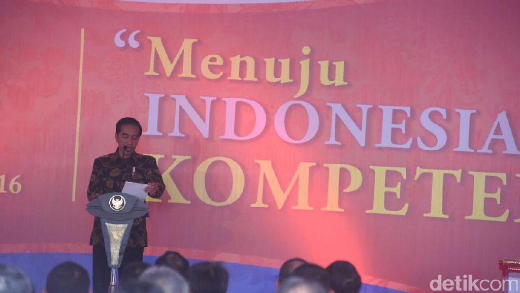 Jokowi ke Pengusaha: yang Magang Jangan Disuruh Fotokopi dan Bikin Kopi