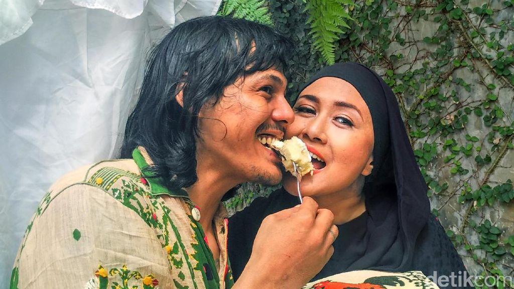 Cara Suami Beri Semangat Ria Irawan untuk Lawan Penyakit