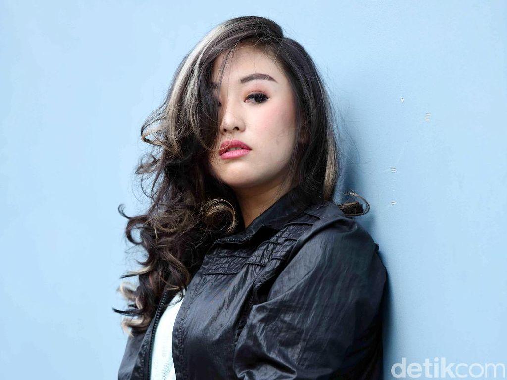 Kathy Indera Anggap Tak Penting Upload Foto saat Ciuman