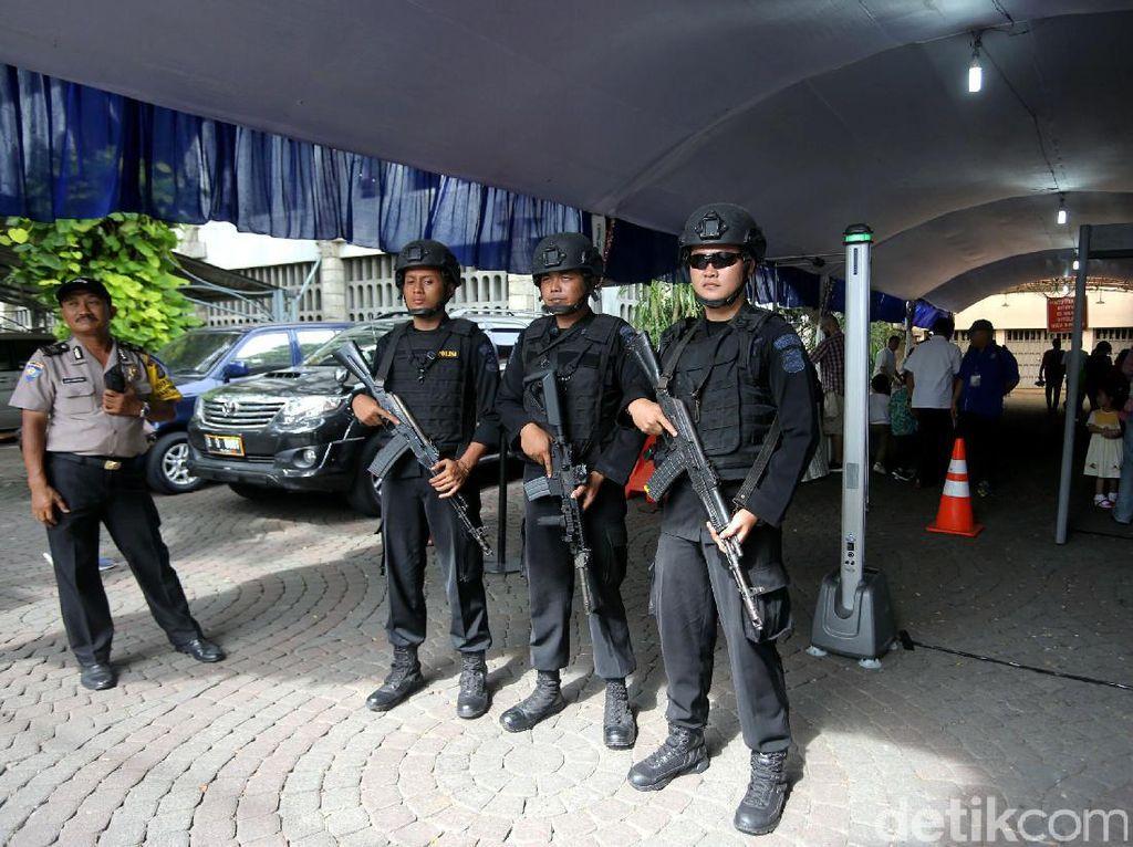 Polisi Libatkan Pengurus Gereja Jaga Perayaan Ibadah Natal