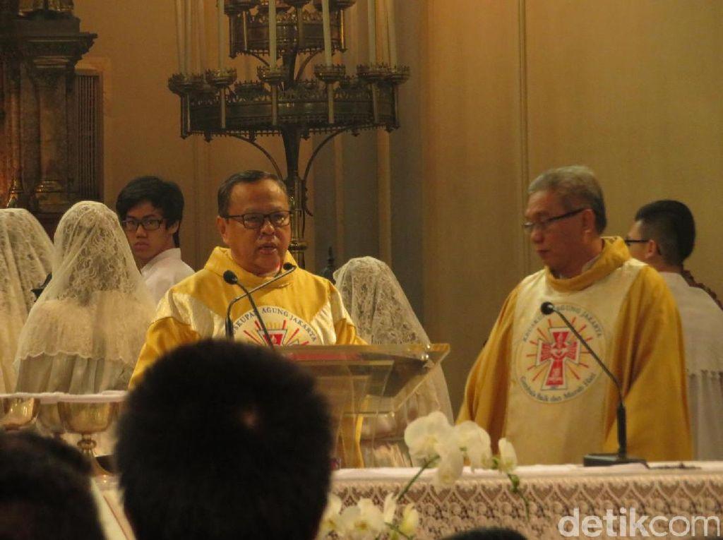 Uskup Agung Jakarta Pimpin Misa Natal di Gereja Katedral Pagi Ini