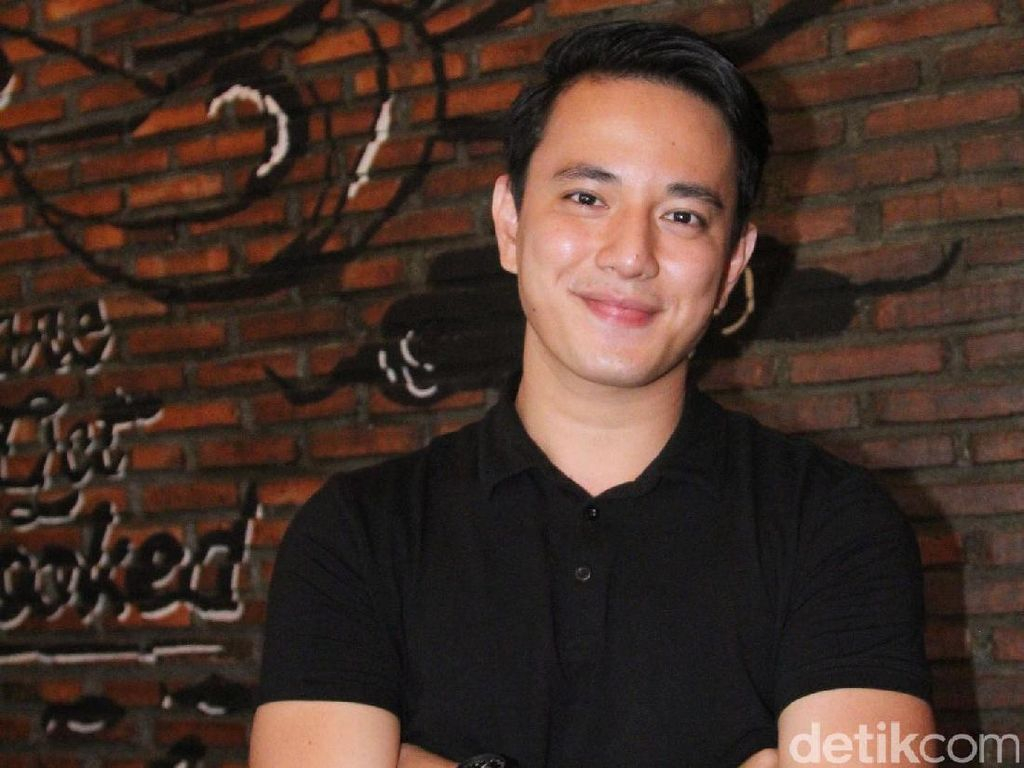 Girls, Billy Davidson Masih Jomblo Nih