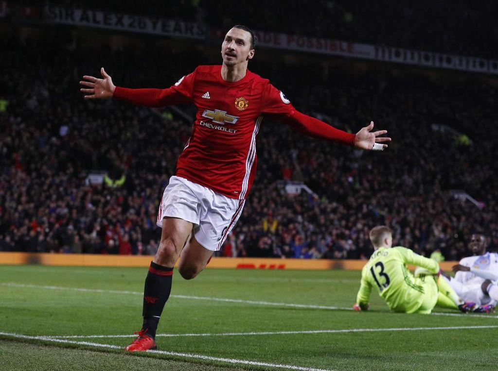 Ibrahimovic Disebut seperti Sheringham, Zola, dan Bergkamp