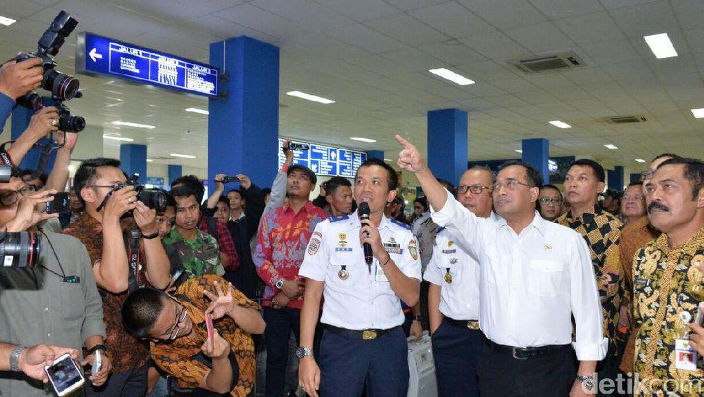 Kereta Bandara Adi Soemarmo Ditargetkan Beroperasi 2018