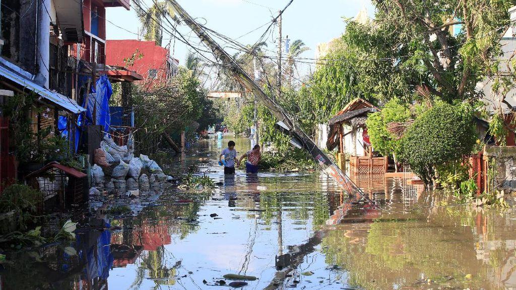 Begini Dampak Kerusakan Topan Nock-Ten di Filipina