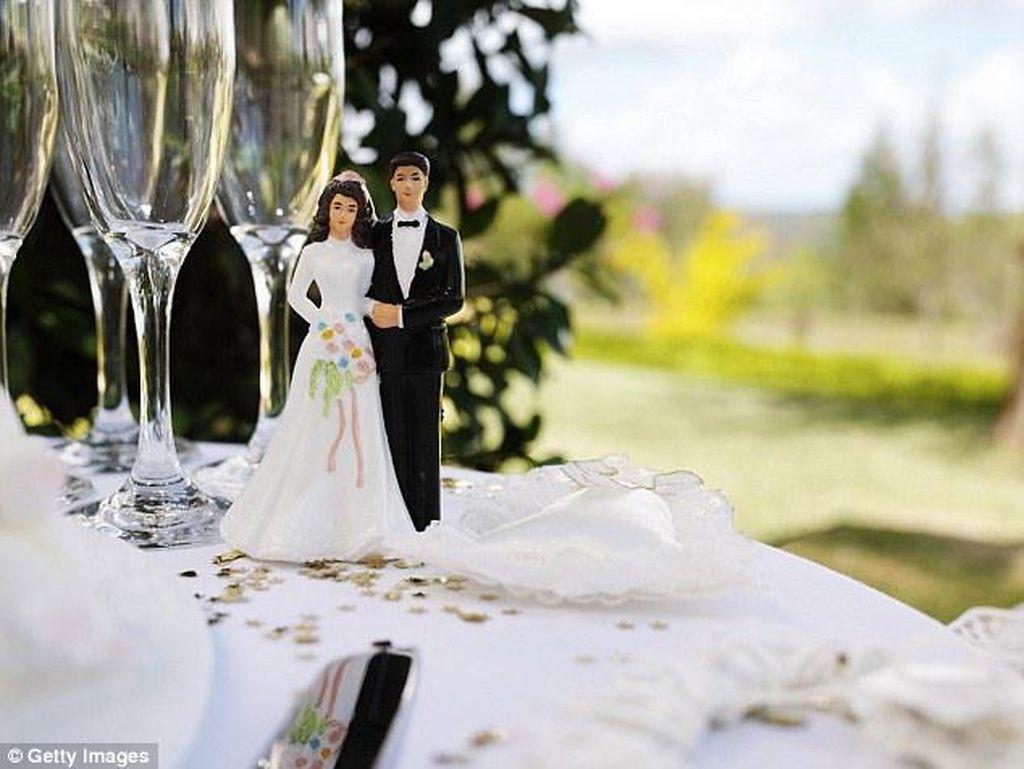 Wanita Ini Adakan Pesta Perceraian Layaknya Pesta Pernikahan