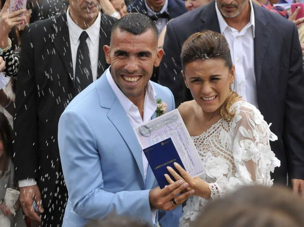Menikah di Carmelo, Rumah Tevez di Buenos Aires Kemalingan