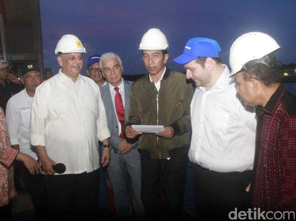 Jokowi Kunjungi Kapal Listrik Apung 60 MW di Kupang-NTT