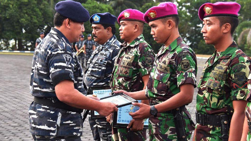 Tangkap Perompak di Selat Malaka, Prajurit TNI AL Terima Penghargaan