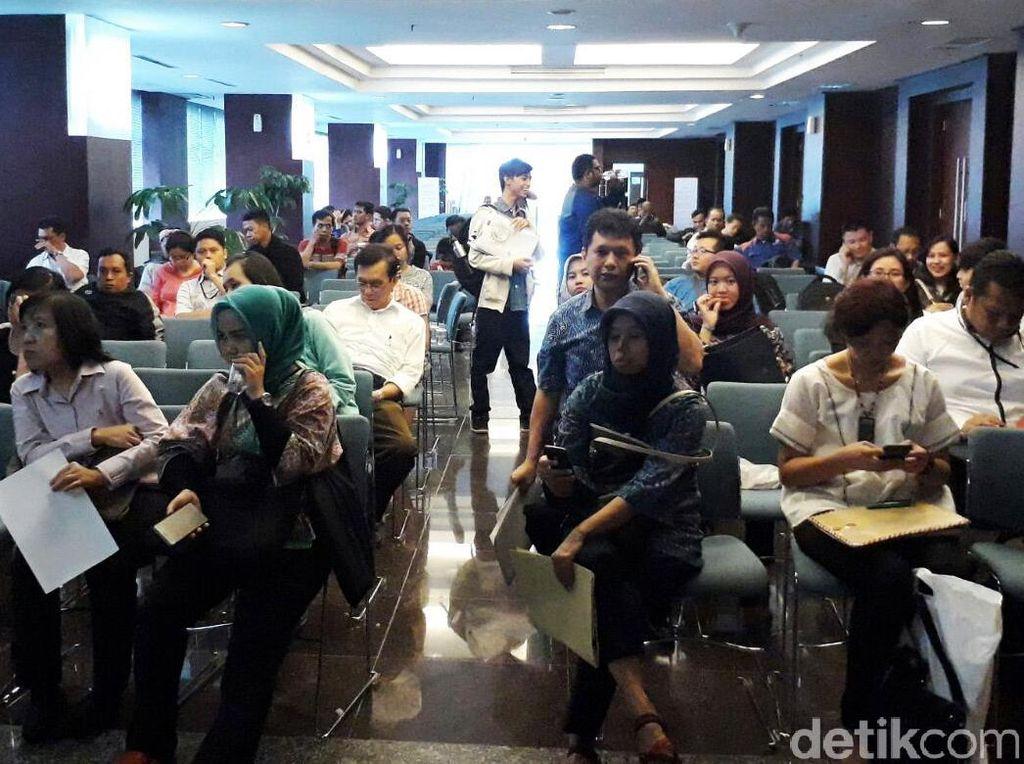 Antrean Tax Amnesty di Ditjen Pajak Membludak