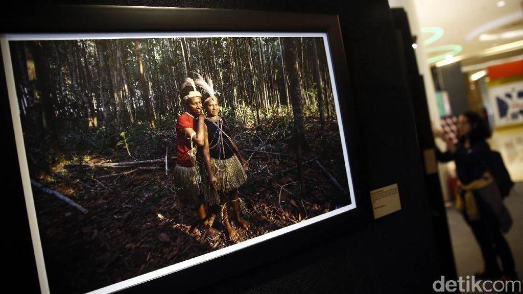 Melihat Papua dalam Bingkai Kamera
