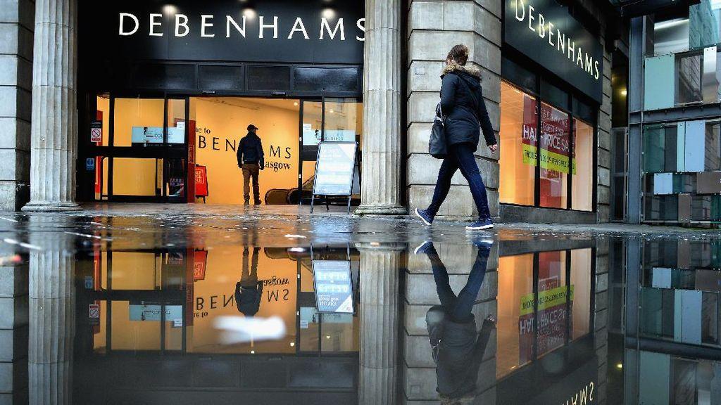 Netizen Kecam Debenhams Inggris karena Siram Barang-barang Milik Tunawisma