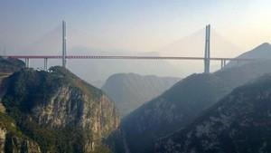 Penampakan Jembatan Tertinggi Dunia di China