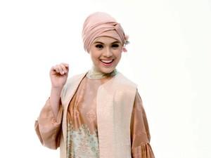 Pakai Baju Gamis Nycta Gina Tak Bisa Petakilan