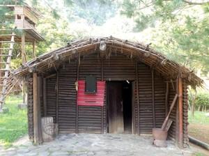 Penampakan Rumah Suku Pemburu Kepala Asli dari Taiwan