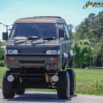 Sadis! Mitsubishi Delica Jadi Mobil Monster