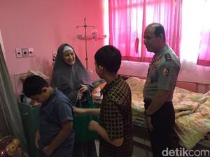 Jenguk Korban Tragedi Pulomas, Boy Rafli: Anet Luar Biasa