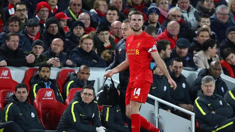 Liverpool Tunggu Kabar Cedera Henderson