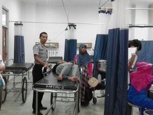 Polisi Rembang Bantu Ibu Melahirkan di Malam Tahun Baru